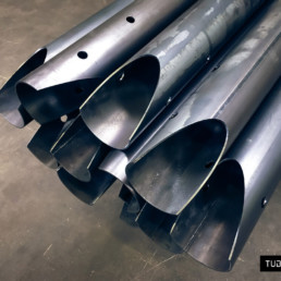 Cutted round pipes for metal structure
